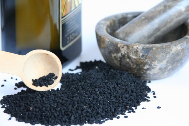 6 Benefits of black seed oil